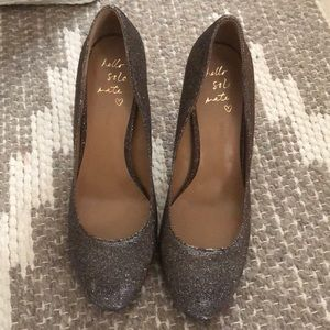 Banana republic sparkly Pump size 9 new